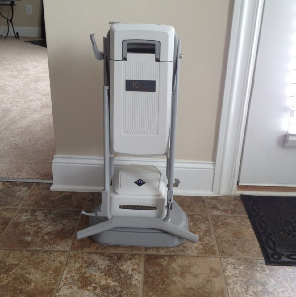 ELECTROLUX EPIC Floor 75th S105G /Carpet Buffer/Polisher/Waxer/Cleaner