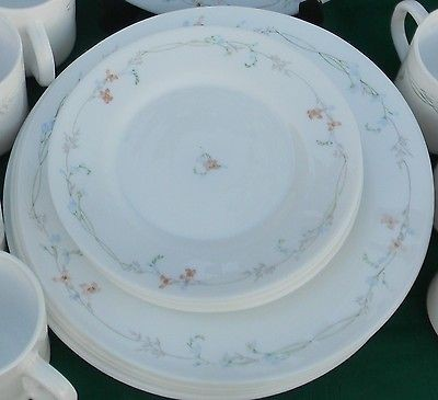 23 pcs Arcopal France Odessa Pattern Dinnerware Plates Cups Bowls