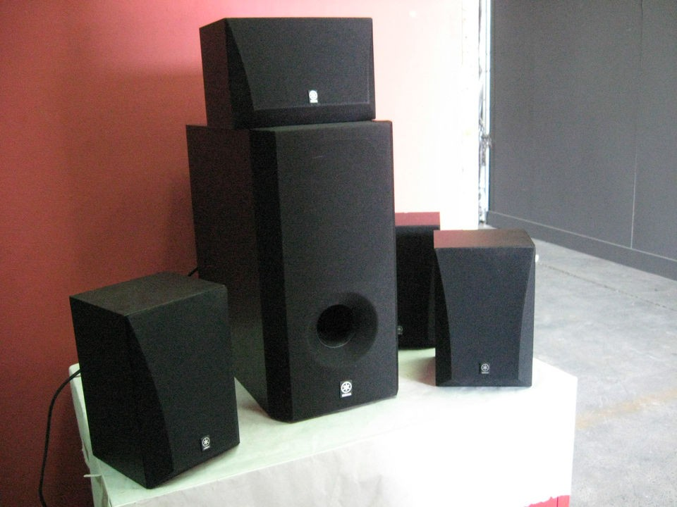 YAMAHA SURROUND SPEAKERS MODEL SW 201 7 IINCH SPEAKER AUDIO SOUND