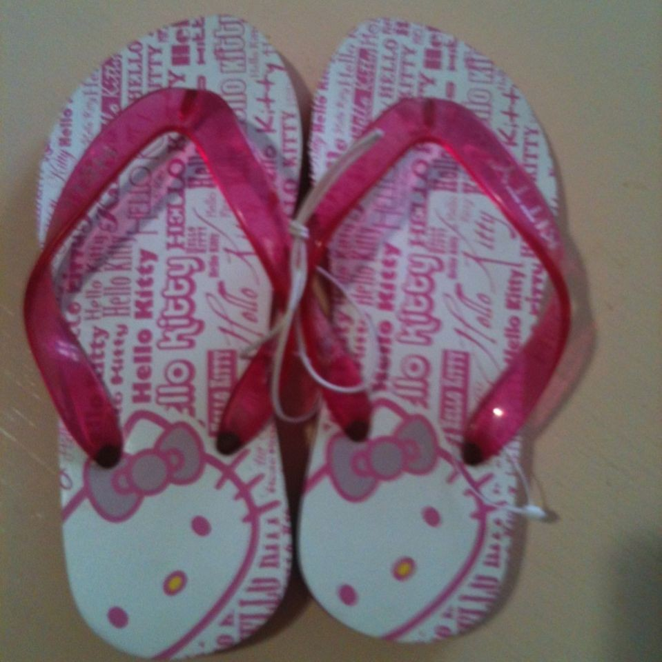 hello kitty sandals in Kids Clothing, Shoes & Accs