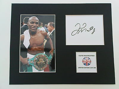 Limited Edition Floyd Mayweather Boxing Signed Mount Display PACQUIAO