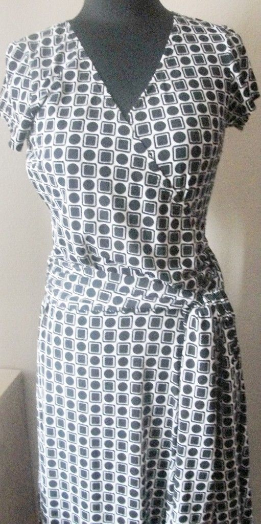 AB Studio Sz Small Black White Print Faux Wrap Trendy Dress Super Cute