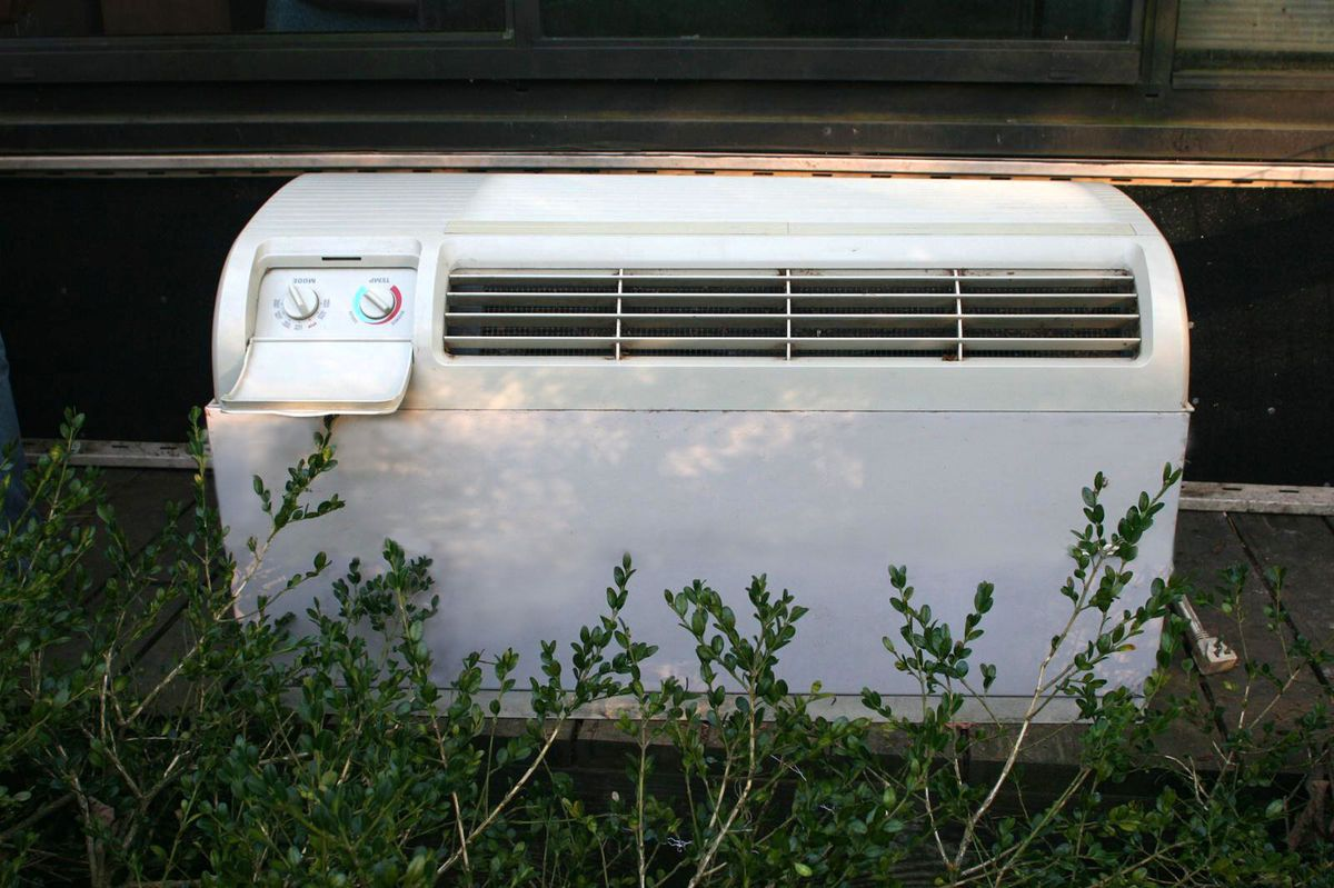 Wall Heating And Air Conditioning Units : Ge zone line thru the wall heat and air conditioning unit
