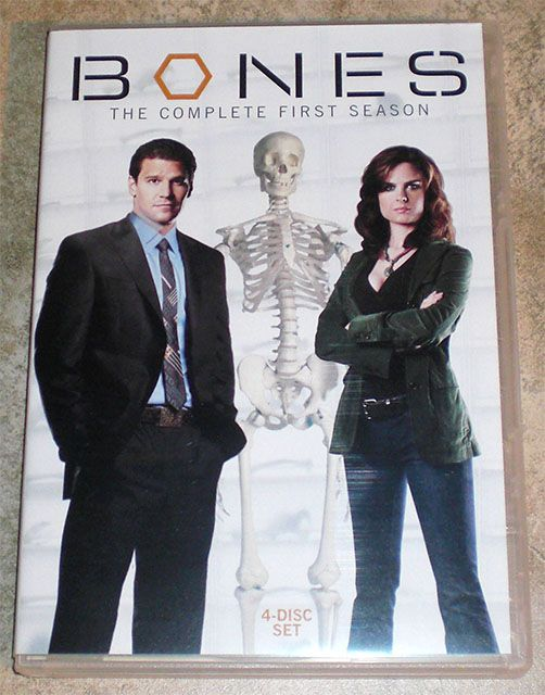 DVD TV Series Bones Complete First Season One 1 Crime Drama 4 Disc Set