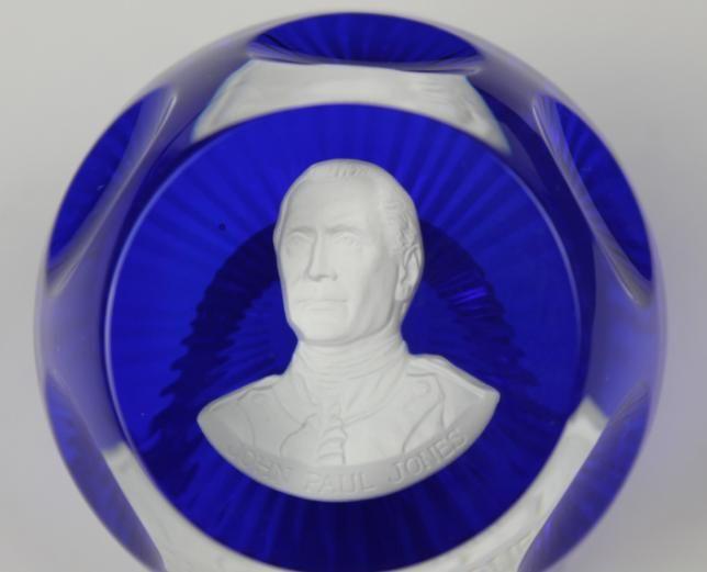 CR DALBERT FRANKLIN MINT GLASS CAMEO PAPERWEIGHT JOHN PAUL JONES 1975