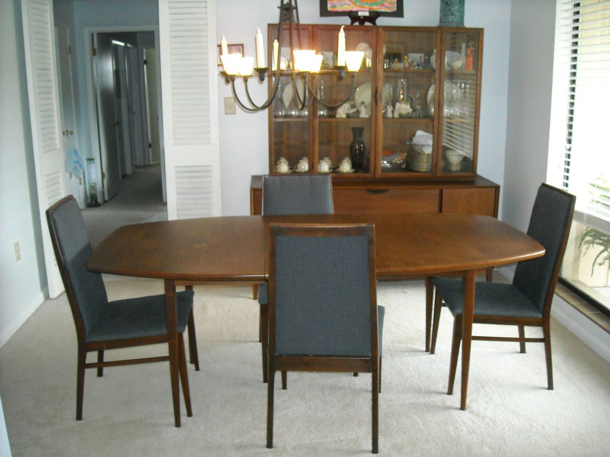Beautiful dillingham danish mid century modern walnut for Beautiful dining room sets