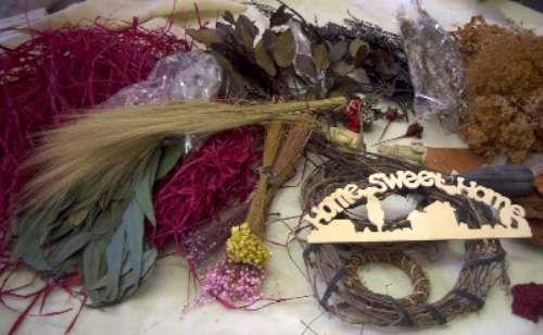 Box Lot Home Sweet Home Asst Dried Florals 1314